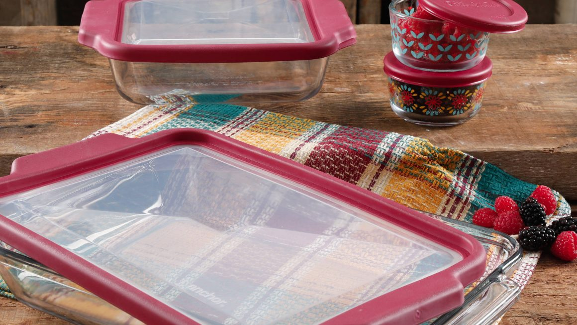 Expired:Pioneer Woman 8-Piece Bake & Store Set